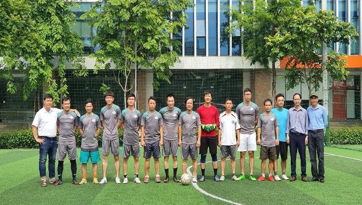 Đội bóng Viện Khoa học vật liệu tham gia Giải bóng đá do Đoàn Viện Hàn lâm Khoa học và Công nghệ Việt Nam tổ chức