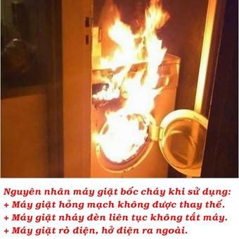 Máy giặt hỏng mạch, bốc khói gây ra chập cháy