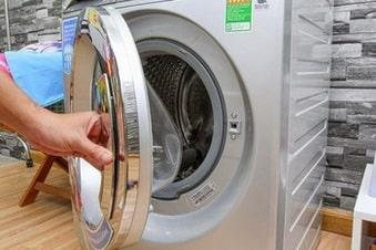 Máy giặt hỏng khóa cửado ẩm ướt hoặc nước vào
