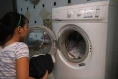 Sửa máy giặt giặt quá tải và rung lắc mạnh