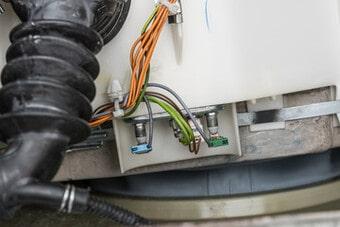 Máy giặt khôngxả nước do hỏng bơm cần thay bơm mới